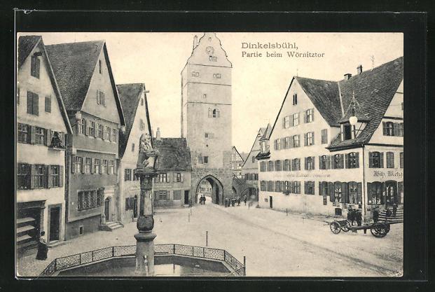 AK Dinkelsbühl, Altrathausplatz mit Gasthaus Metzger und Blick auf das Wörnitztor