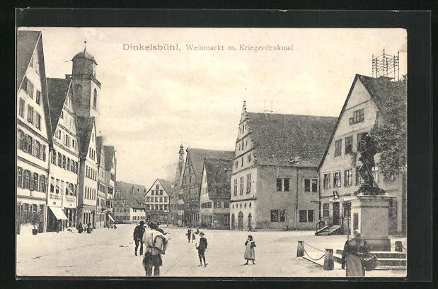 AK Dinkelsbühl, Weinmarkt m. Kriegerdenkmal