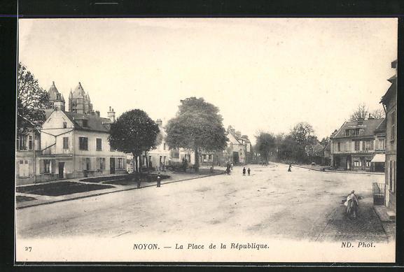 AK Noyon, La Place de la Republique