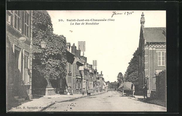 AK Saint-Just-en-Chaussee, La Rue de Mondidier