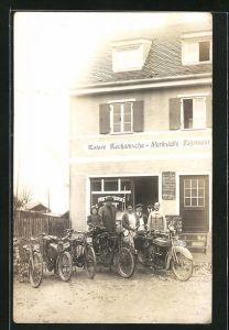Foto-AK München-Sendling, Motorrad des Typs Victoria KR1 vor der Metzgerei Ludwig Gotzler, Forstenrieder Strasse 240