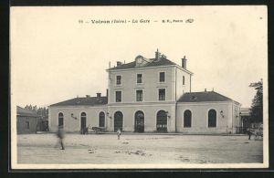 AK Voiron, La Gare, Ansicht vom Bahnhof