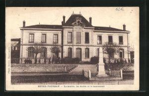 AK Revel-Tourdan, La mairie, les ecoles et le monument