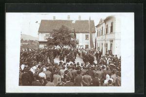 AK Stanz, Versammlung vor dem Rathaus