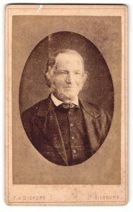 Fotografie T. J. Dickopf, Siegburg, Portrait betagter Herr mit Favoris