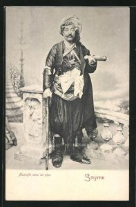 AK Smyrna, Mustafa avec sa pipe, Türke in Tracht mit Pfeife