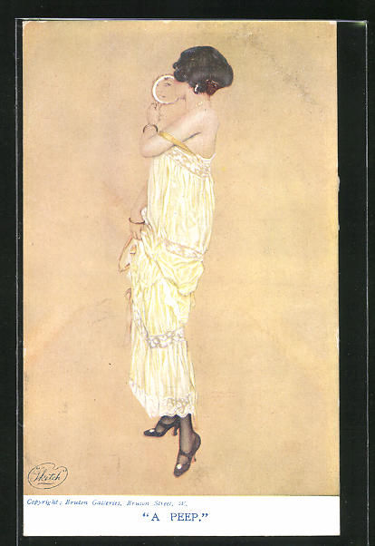 Künstler-AK Raphael Kirchner: A Peep. Dame in elegantem Kleid mit verrutschtem Träger blickt in Handspiegel