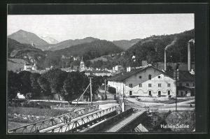 AK Hallein, Saline Fabrik mit Brücke und Blick auf Ort