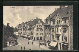 AK Weiden, Bahnhofstrasse mit Passanten