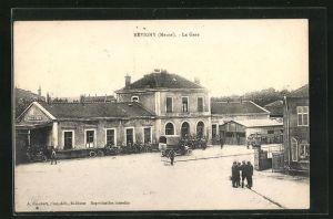 AK Revigny, La Gare, Ansicht vom Bahnhof