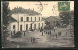 AK Feurs, La Gare, Ansicht vom Bahnhof