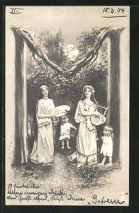 AK Zwei junge Damen mit Palettenbrett u. Laute mit zwei kleinen Mädchen unter dem Buchstaben M stehend