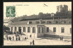AK Étampes, La Gare, Blick auf den Bahnhof