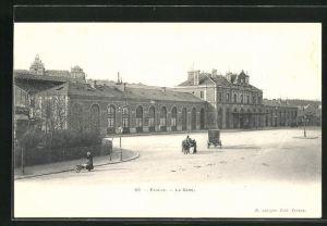 AK Évreux, La Gare, Platz vor dem Bahnhof