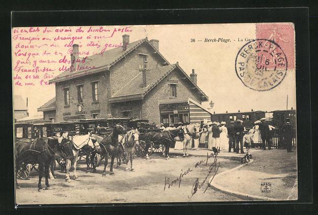 AK Berck-Plage, La Gare, Pferdekutschen vor dem Bahnhofsgebäude 0