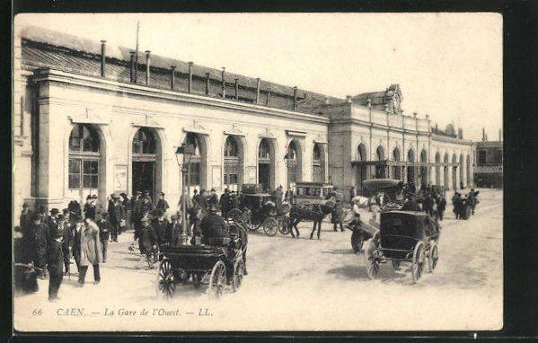 AK Caen, La Gare de l'Ouest, Pferdekutschen vor dem Bahnhofsgebäude
