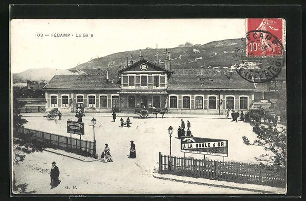AK Fecamp, La Gare, Pferdekutsche und Passanten am Bahnhofsgebäude
