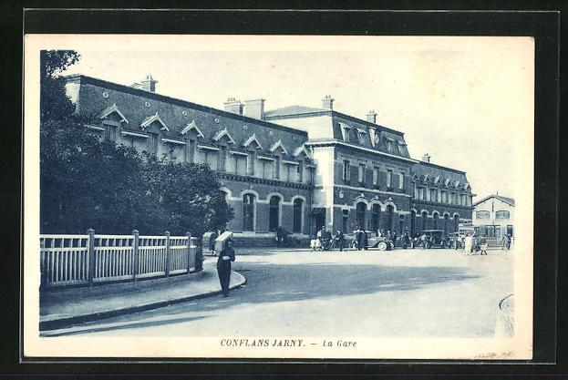 AK Conflans-Jarny, La Gare, Anwohner vor dem Bahnhofsgebäude