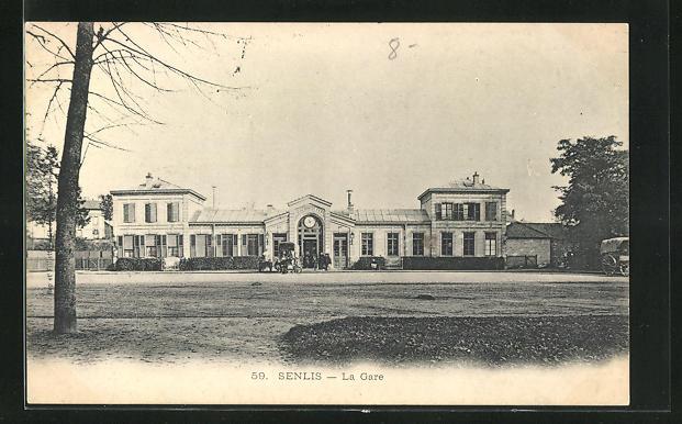 AK Senlis, La Gare, Blick zum Bahnhofsgebäude