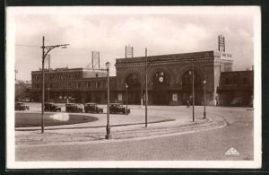 AK Saint-Quentin, La gare, Blick zum Bahnhof mit Vorplatz
