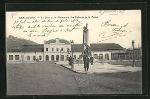 AK Bar-le-Duc, La Gare et le Monument des Enfants de la Meuse