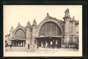 AK Tours, La Gare, Kutschen vor dem Bahnhof
