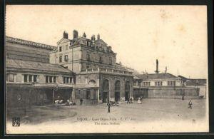 AK Dijon, Gare Dijon-Ville, Blick zu dem Bahnhof