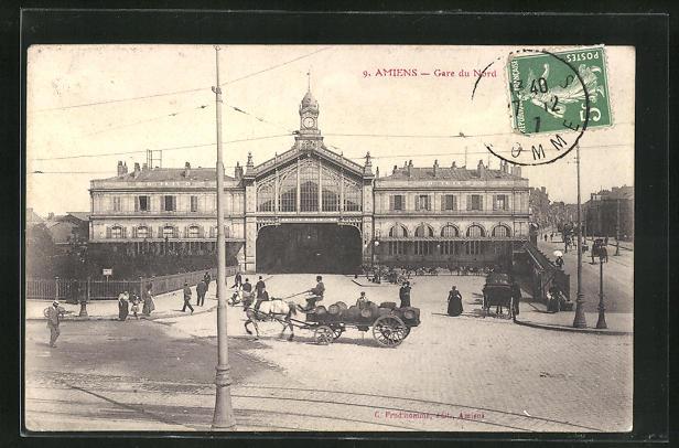 AK Amiens, Gare du Nord, Pferdekutsche vor dem Bahnhofsgebäude