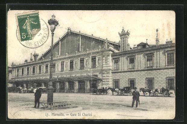 AK Marseille, Gare St-Charles, Pferdekutschen vor dem Bahnhofsgebäude