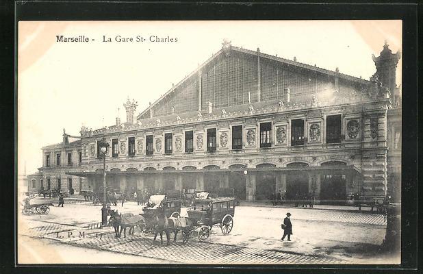 AK Marseille, La Gare St-Charles, Pferdekutschen vor dem Bahnhofsgebäude