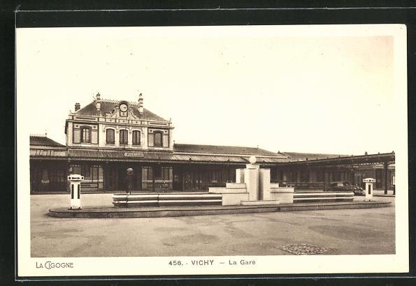 AK Vichy, La Gare, Blick zum Bahnhofsgebäude