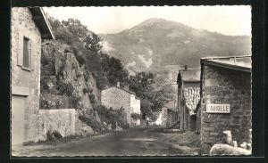 AK Laviolle, Arrivèe par la Route de Mèzilhac