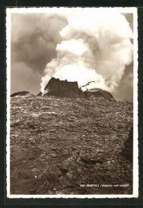 AK Napoli, Vesuvio - nel cratere, am Krater des Vulkans Vesuv