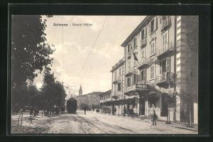 AK Sulmona, Strassenbahn am Grand Hotel