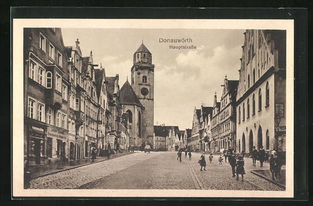 AK Donauwörth, Hauptstrasse mit Passanten