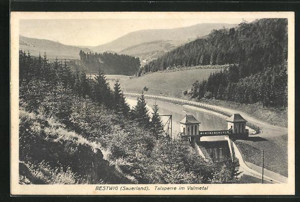 AK Bestwig / Sauerland, Talsperre im Valmetal mit Wald