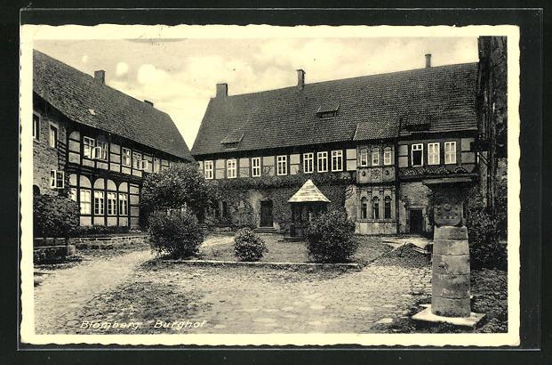AK Blomberg, Burghof