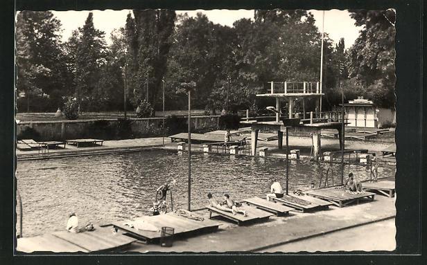 AK Arnstadt / Thür., Schwimmbad mit Sprungturm
