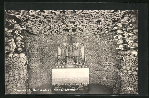 AK Bad Kudowa-Grenzeck, Inneres der Schädelkapelle