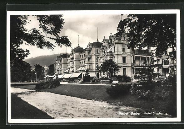 AK Baden-Baden, Hotel Stephanie, Eckfassade vom Flussufer