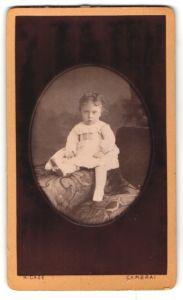 Fotografie H. Caze, Cambrai, Rue des Liniers, Portrait eines kleinen süssen Mädchens