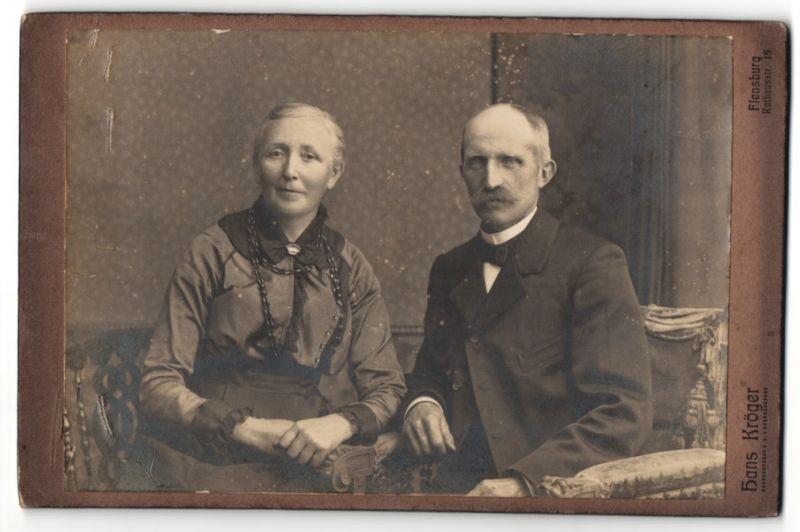 Fotografie Hans Kröger, Flensburg, Portrait betagtes bürgerliches Paar