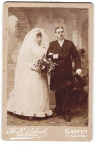 Fotografie Fr. X. Schröck, Laufen / Salzach, Portrait hübsches Brautpaar in eleganter Hochzeitsmode