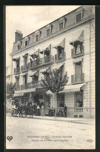 AK Chatel-Guyon, Kutsche vor dem Régence Hotel