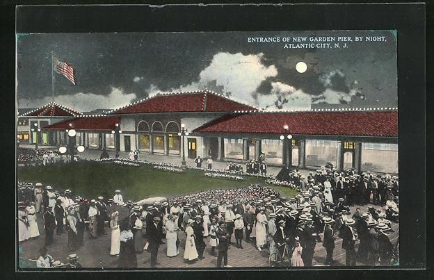 AK Atlantic City, NJ, Entrance of New Garden Pier, By Night