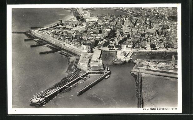AK Vlissingen, Luftaufnahme des Ortes mit Hafen