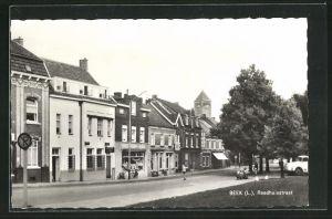AK Beek, Raadhuisstraat, Strassenpartie im Ort