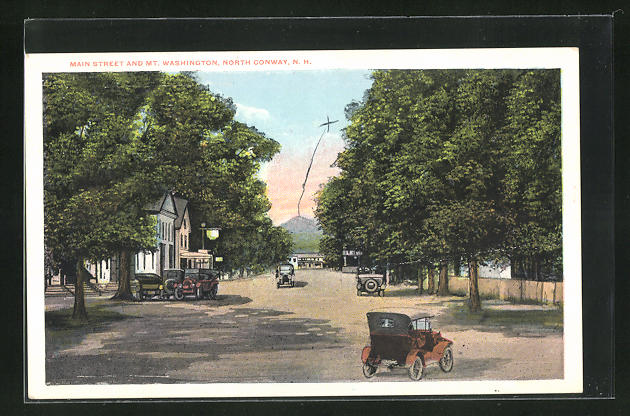 AK North Conway, NH, Main Street and Mt. Washington
