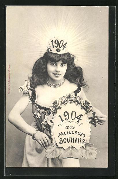 AK Mädchen trägt einen Krone mit der Jahreszahl 1904