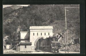 AK Brigue, Eisenbahn beim Verlassen des Tunnels du Simplon